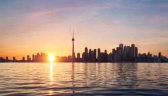 Toronto, Niagara Falls & Vancouver stays with Hawaii Cruise